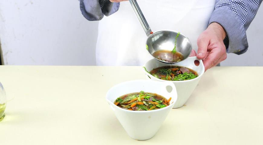Вьетнамский суп сговядиной илапшой. Шаг 4