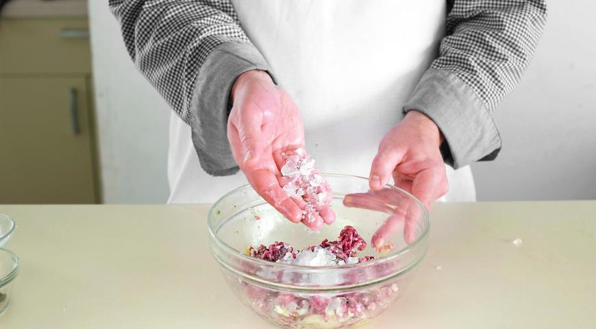 Фото приготовления рецепта: Уральские пельмени, шаг №3