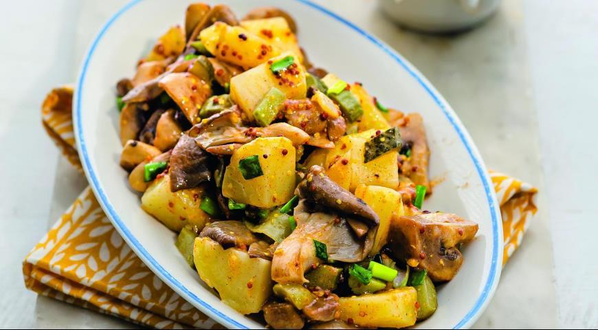 Молодая запеченная картошка в фольге в духовке рецепт