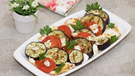 Салат-закуска с жареным сыром
