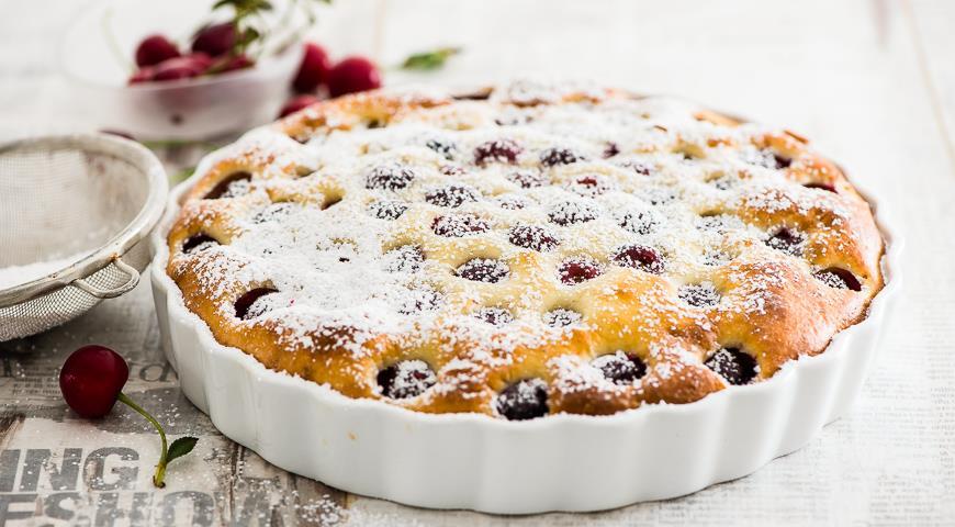 Пирог французский клафути с вишней