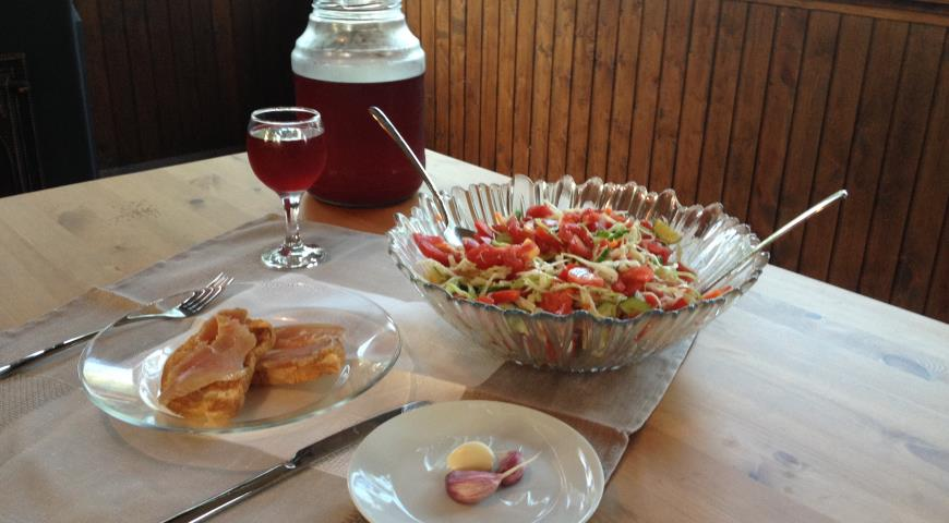 Быстрый дачный салат