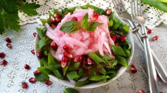 Салат из редьки с гранатовым соком