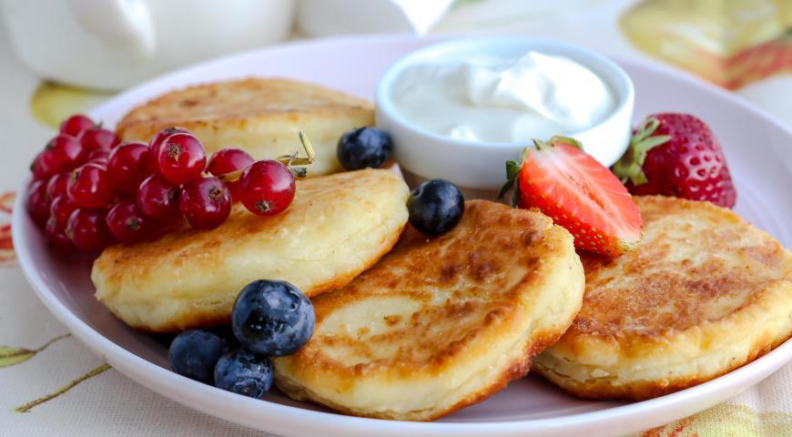 Как готовить сырники - лучшие рецепты для домашнего