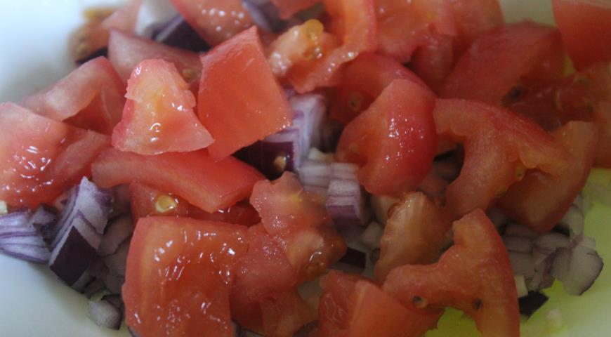 Салат из белой фасоли с чоризо. Шаг 2