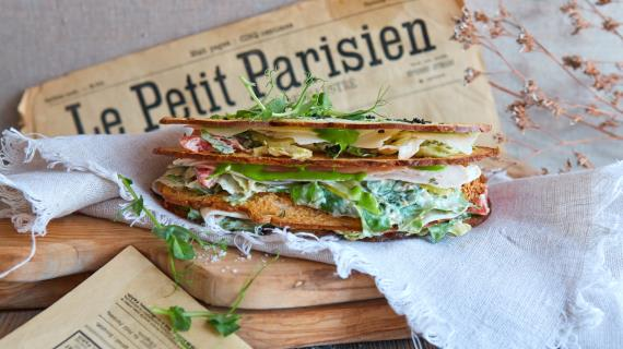Сэндвич с салатом Цезарь