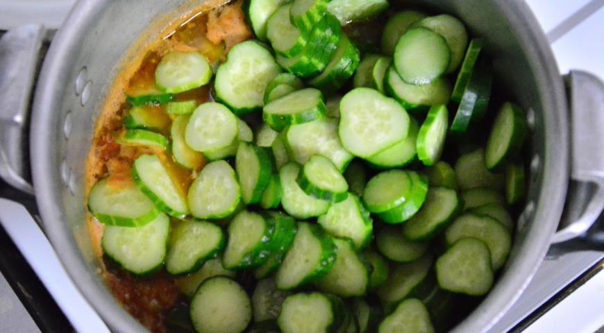 """Салат с огурчиками """"Аппетитный"""", пошаговый рецепт с фото"""