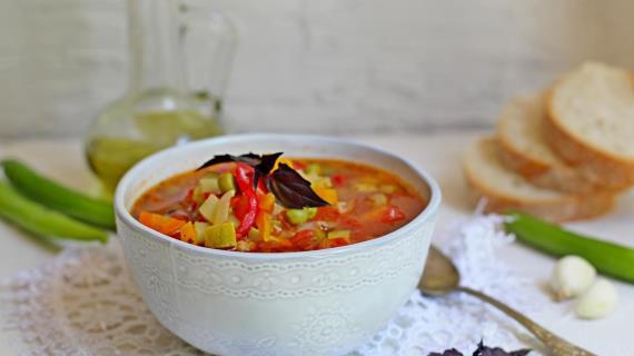 Легкий летний овощной суп