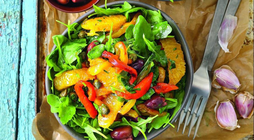 Салат из печеных перцев с анчоусами 2