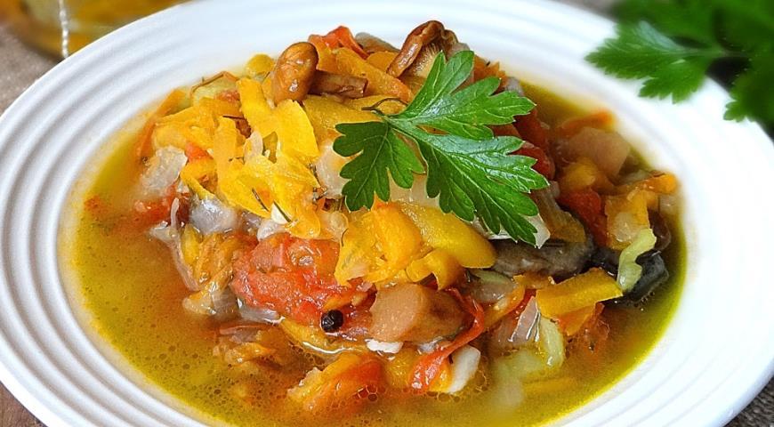Зимний салат с грибами