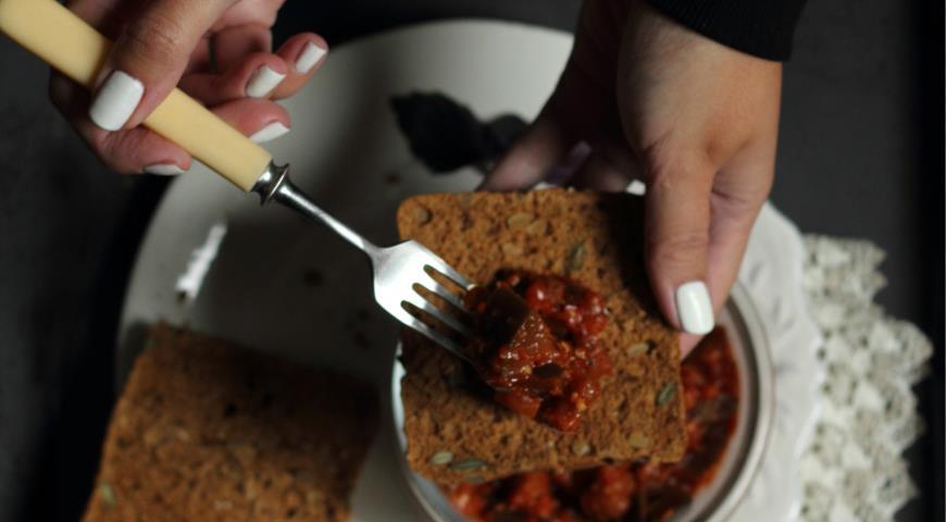 Острые баклажаны на зиму, пошаговый рецепт с фото