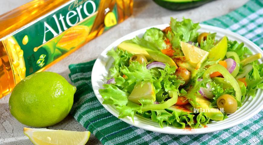Зеленый салат с авокадо 2