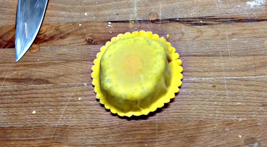 Домашние равиоли с сыром, творогом и шпинатом
