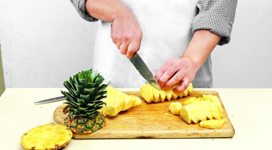 Как разделать ананас. Шаг 6