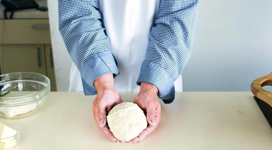 Вареники с творогом и зеленым луком , пошаговый рецепт с фото: http://www.gastronom.ru/recipe/38245/vareniki-s-tvorogom-i-zelenym-lukom
