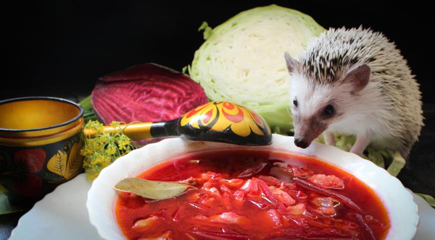 Борщ зі свіжою капустою і буряком