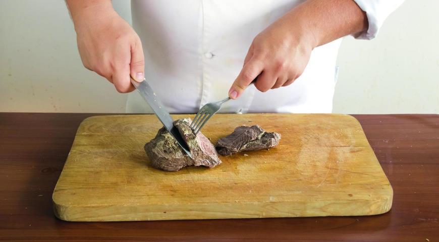 Фото приготовления рецепта: Мясо по-венски– тафельшпиц , шаг №4