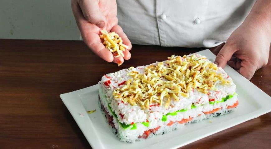 Закусочный суши-торт. Шаг 6