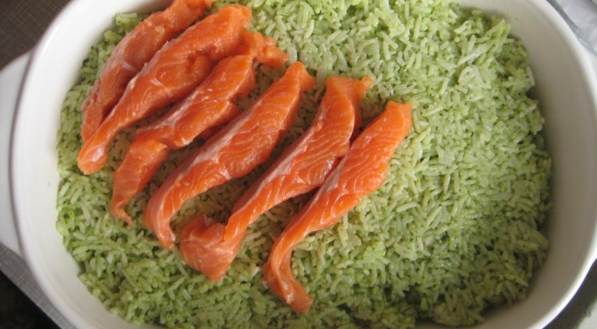 Запеканка рисовая с лососем. Шаг 8