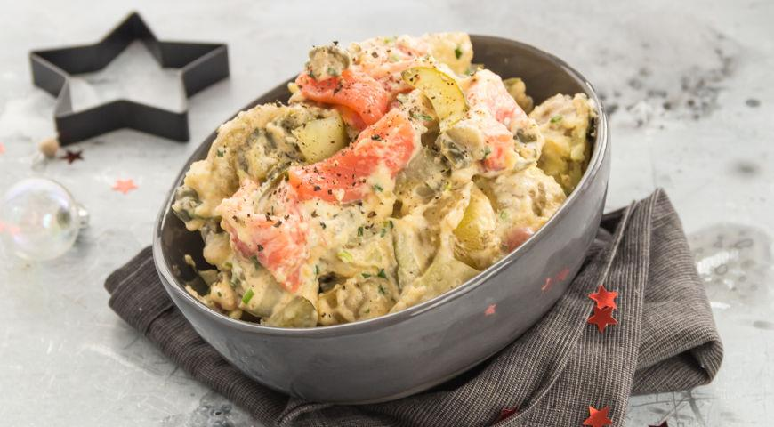 Альтернатива Мимозе и Селедке под шубой - новогодний салат с лососем, пошаговый рецепт с фото