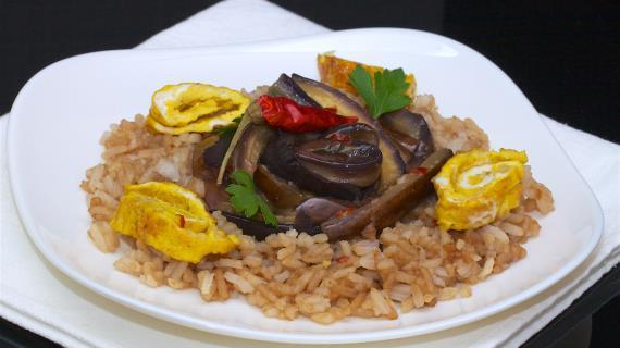Жареный рис с баклажанами