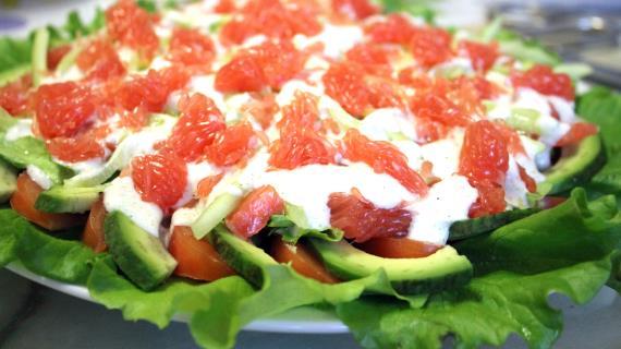 Рецепт салата с кальмарами самый вкусный видео