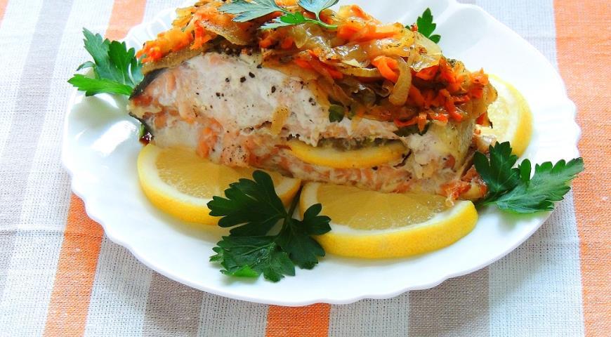 запечь лосось в духовке рецепт целиком