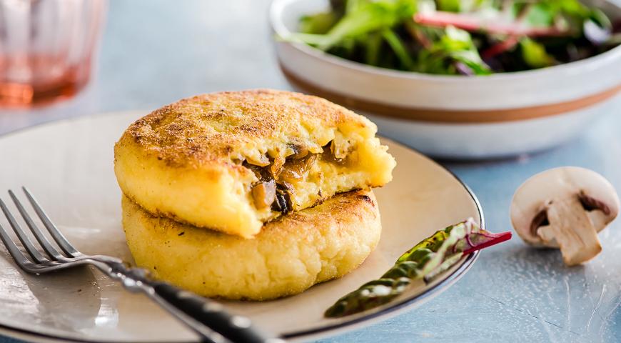 Картофельные зразы с грибами, пошаговый рецепт с фото