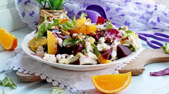 Салат с козьим сыром фото