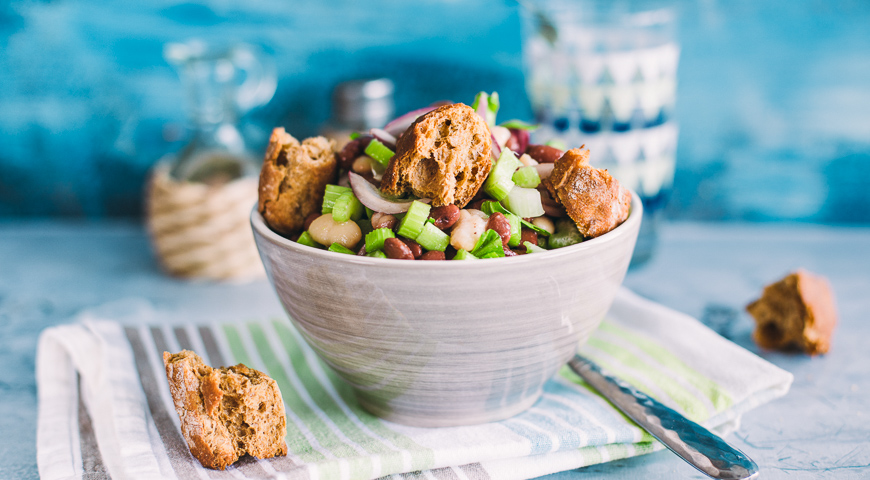 Простой и вкусный салат с фасолью  Пошаговый рецепт с