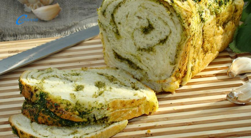 Готовим постный чесночный хлеб с зеленью