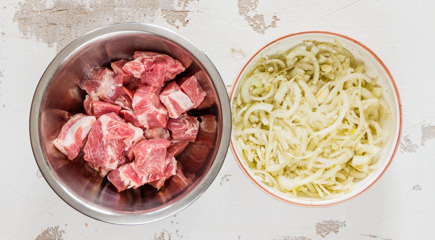 Шашлык из свинины с винным уксусом. Шаг 1