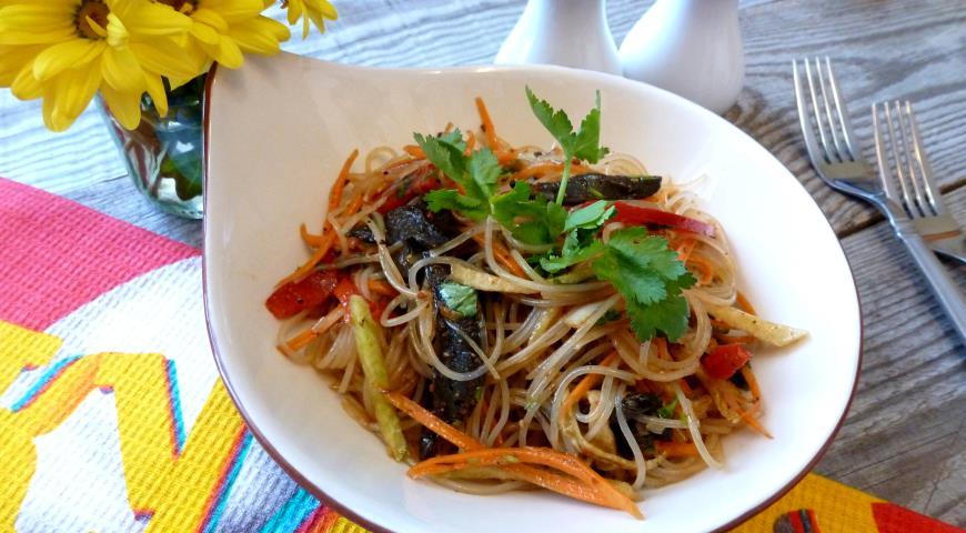 Фунчоза с грибами и овощами рецепт пошагово в