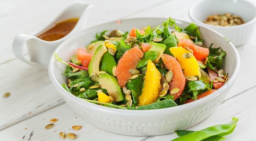 салат с грейпфрутом и зеленым горошком