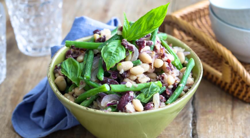 Тосканский салат ?из фасоли ипармезана