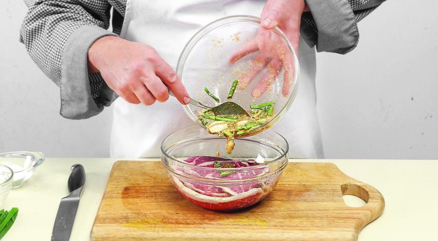 Фото приготовления рецепта: Корейская говядина бульгоги, шаг №4