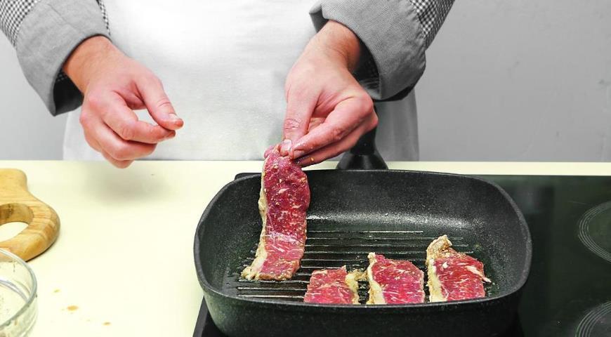 Фото приготовления рецепта: Корейская говядина бульгоги, шаг №6