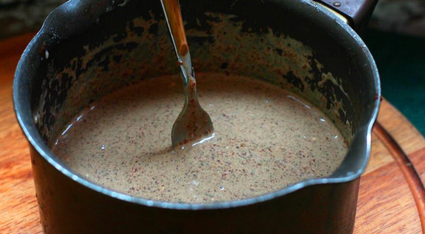 Запеченный крем из печени с грибами под брусничным желе. Шаг 4