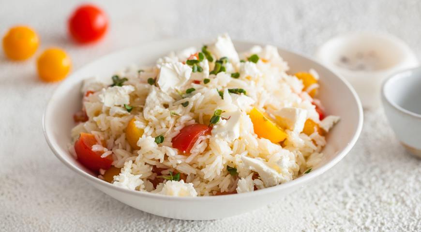 Рис c томатами и сыром Фета