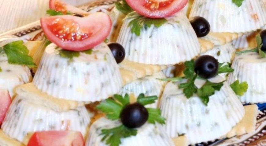 """Заливной салат """"Оливье"""" с горбушей. Шаг 9"""