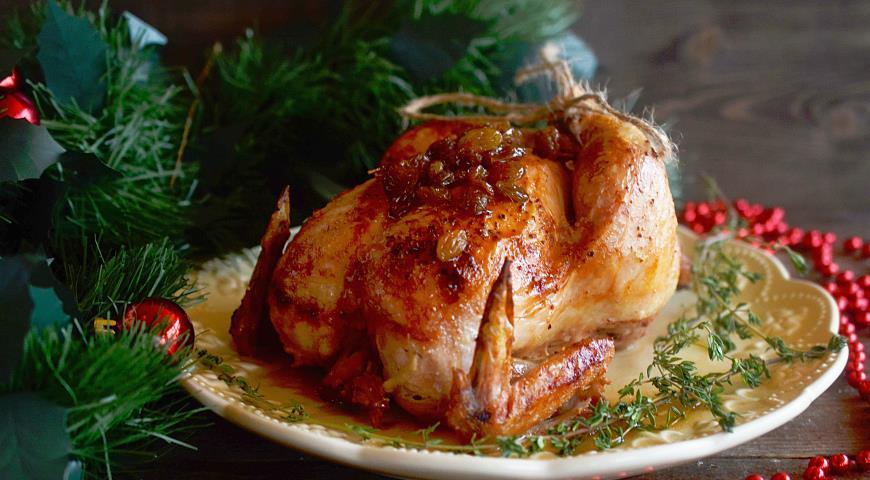 Запеченный цыпленок с медом и изюмом.. Шаг 4