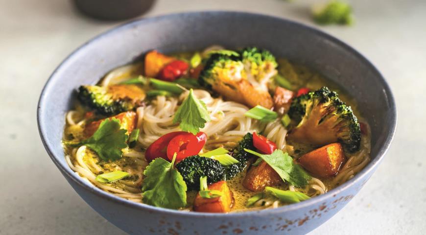 Азіатський суп з гарбузом і брокколі