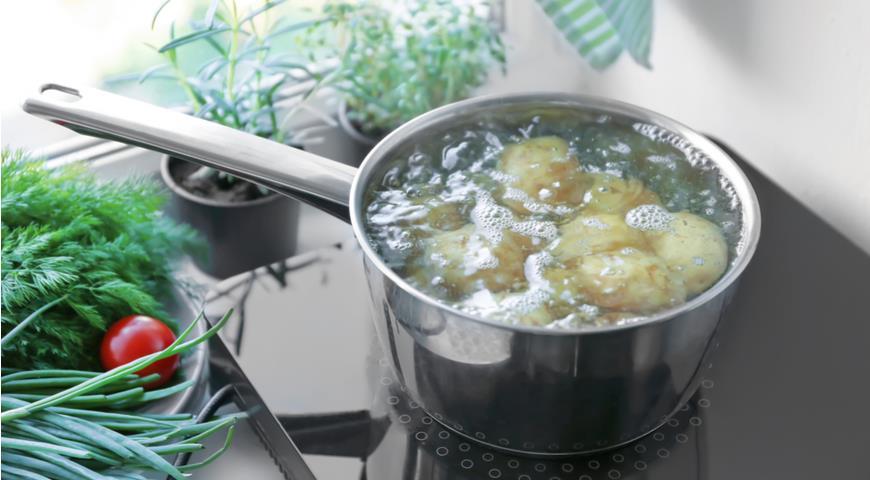 варится картофель