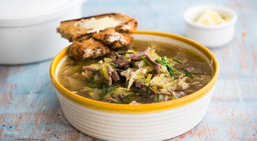 Суп из индейки, порея и пекинской капусты