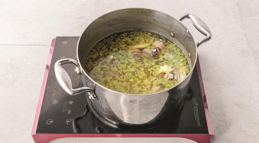 Весенний суп из говядины с щавелем и шпинатом, пошаговый рецепт с фото