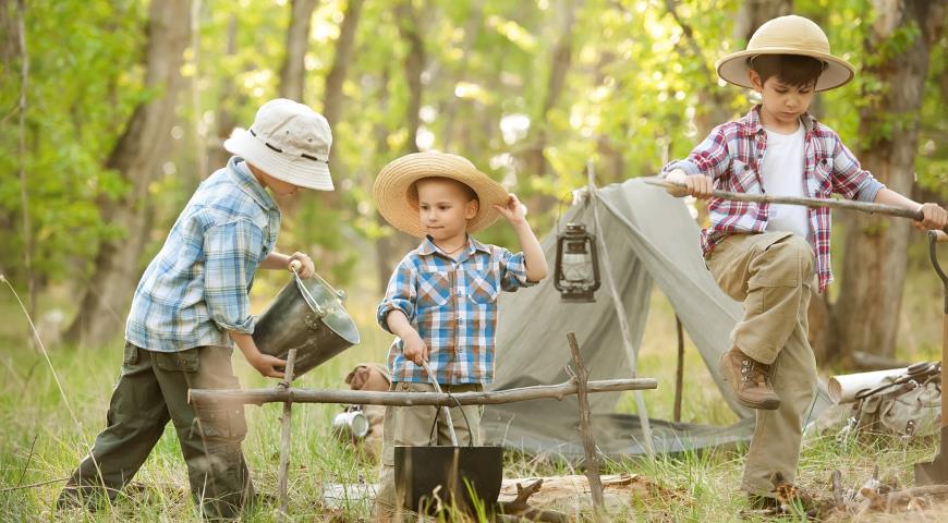 дети в походе