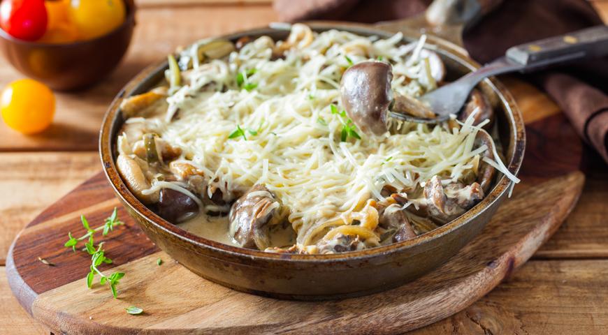 Говяжьи почки с грибами в сметанном соусе, пошаговый рецепт с фото