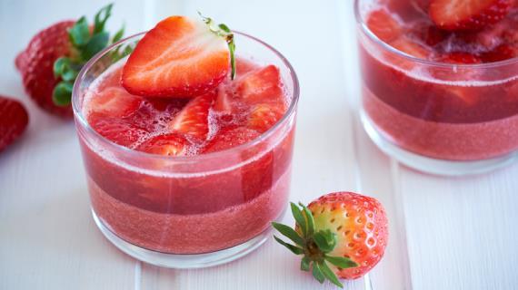 Клубничное желе - простой способ превратить клубнику в изысканный десерт
