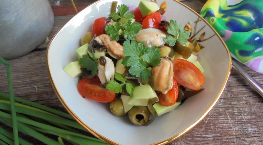 салат с авокадо и капустой рецепт с фото
