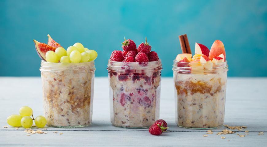 йогурт на сніданок в склянці